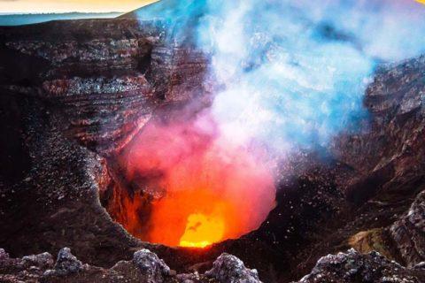 volcan-masaya-lago-de-lava-Nicaragua-